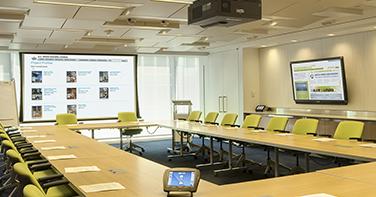Salas de reuniones empresas, soluciones audiovisuales empresas, video llamada, video conferencia, sonorización salas, pantallas led empresa, pantallas led táctiles, sistemas de colaboración, sistemas de control de salas